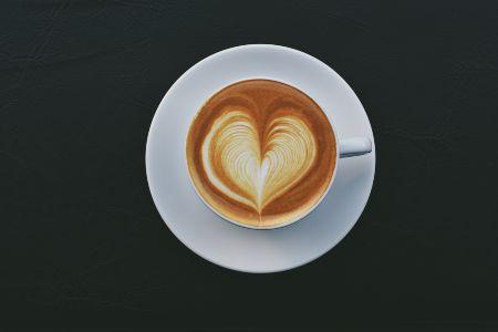 Come si fa il cappuccino con il cuore